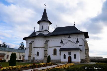 catedrala_din_roman_foto_bogdan_zamfirescu_0536_0