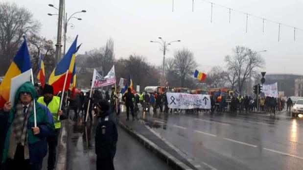 Luni 10 decembrie – Un nou MARȘ ÎMPOTRIVA PACTULUI PENTRU MIGRAȚIE – Către organizatori: RENUNȚAȚI LA VESTELEGALBENE!