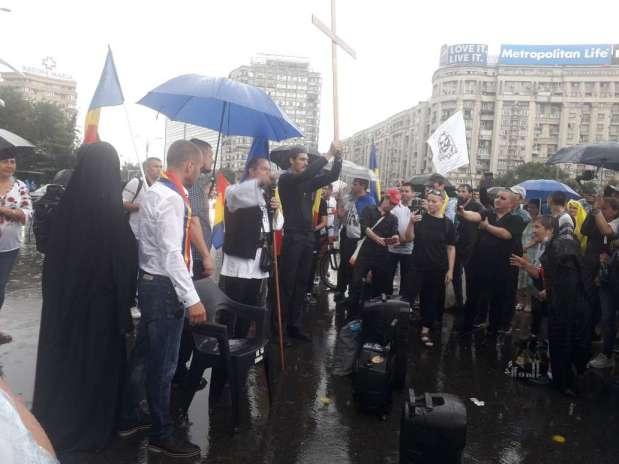 Imagini de la protestul de duminică 19 iulie 2020 împotriva Legii carantinei șiizolării