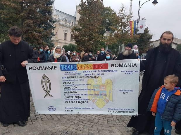 IMAGINI DE LA PROTESTUL DE LA IAȘI cauzat de interzicerea pelerinajului la SFÂNTAPARASCHEVA